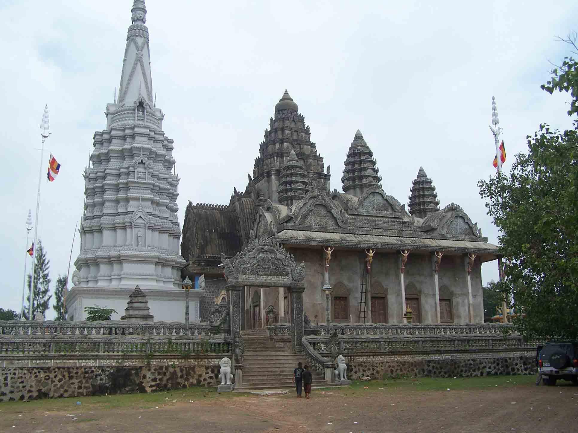 Wat Phnom 2
