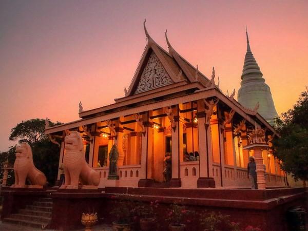 Wat Phnom 5