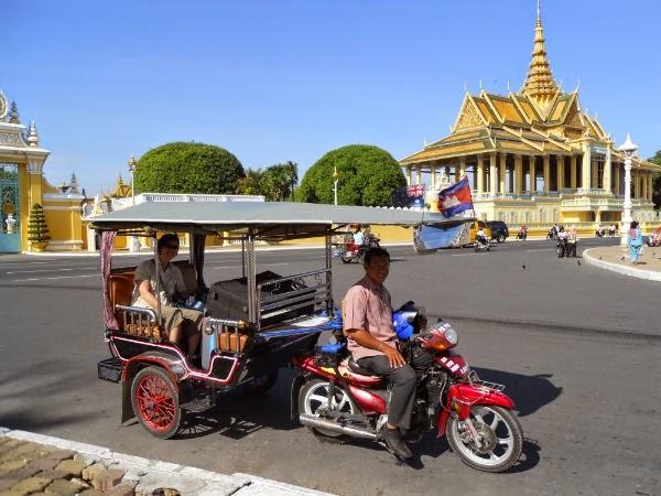 phuong tien di chuyen o Campuchia 1