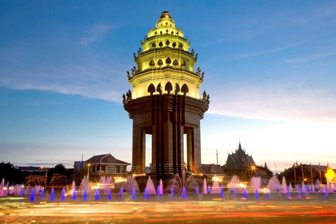 tuong dai doc lap phnom penh 4