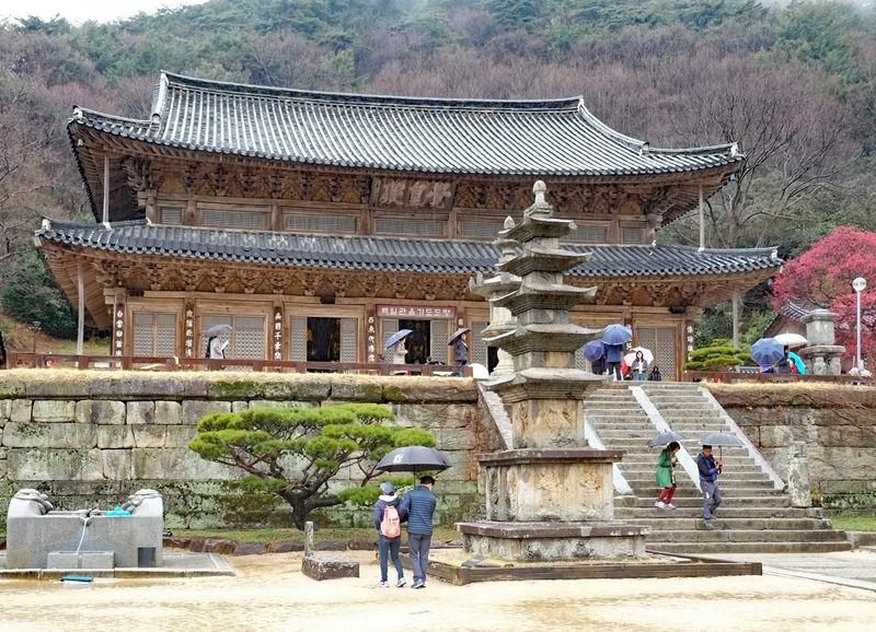 Hwaeomsa Temple 3